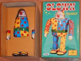 Clown Robot Pierrot